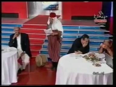 ضحك بالدموع...نصر الدين بن مختار يفرك رمانة مدرب المنتخب لومار